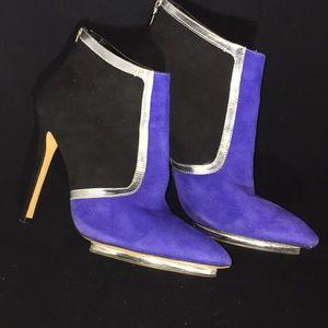 Shoes - ☃️☃️Royal blue/black bootie